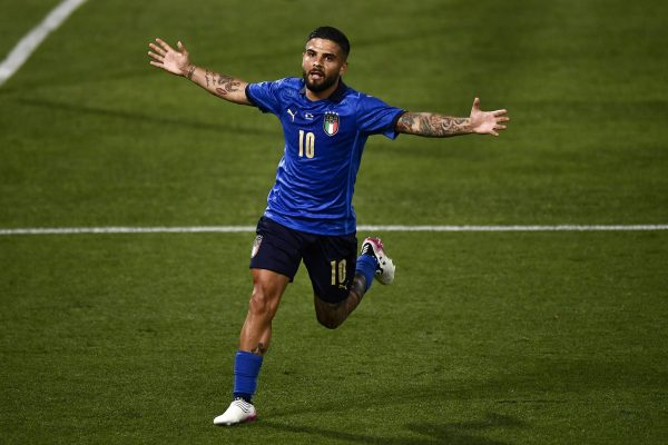 Napoli ready to sell Insigne if contract talks fail.