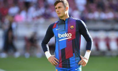 Barcelona will keep 22-year-old goalkeeper Inaki Peña with the club